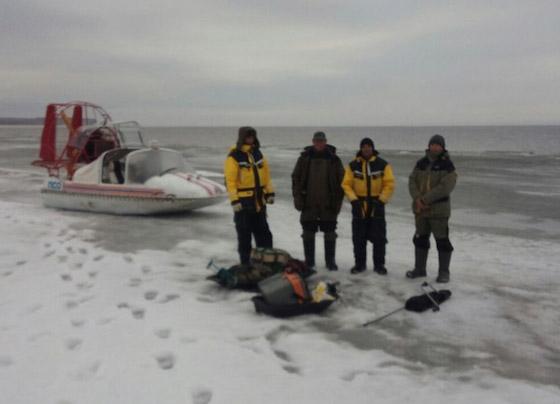 спасли рыбаков на волге