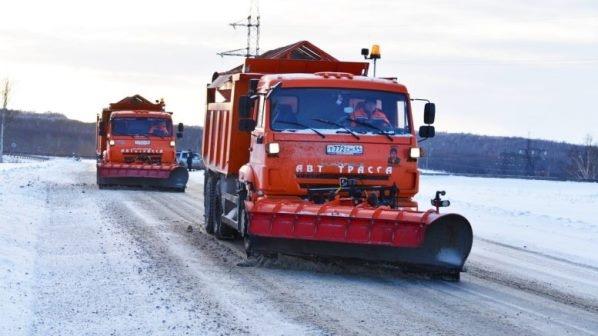 К борьбе со снегом в центре России и Поволжье готовы более 800 единиц техники