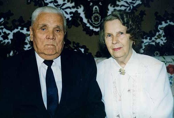 Лев Степанович и Клавдия Александровна Борисовы. Тольятти, 1999