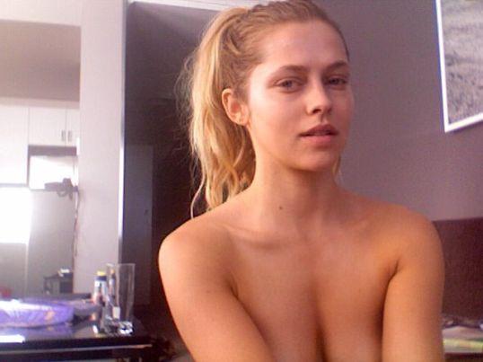 porno-ona-uchila-ego-seksu